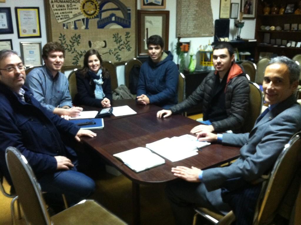 Mesa da reunião